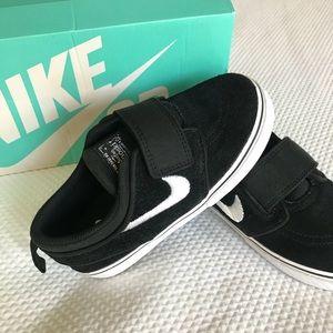 Nike Stefan Janoski ~ Boys Velcro Sneaker
